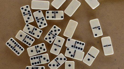 Cara Main Domino Batu