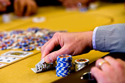 Online Casinos: Pros and Cons for Gamblers
